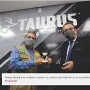 Ministro da Defesa e comitiva visitam fábrica da Taurus em São Leopoldo, no Rio Grande do Sul Durante visita à Empresa Estratégica de Defesa, nesta quarta-feira (09), foram apresentados produtos, processos fabris e administrativos.