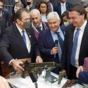 Grafeno no mercado de armas ganha corpo no Brasil e entusiasma Bolsonaro